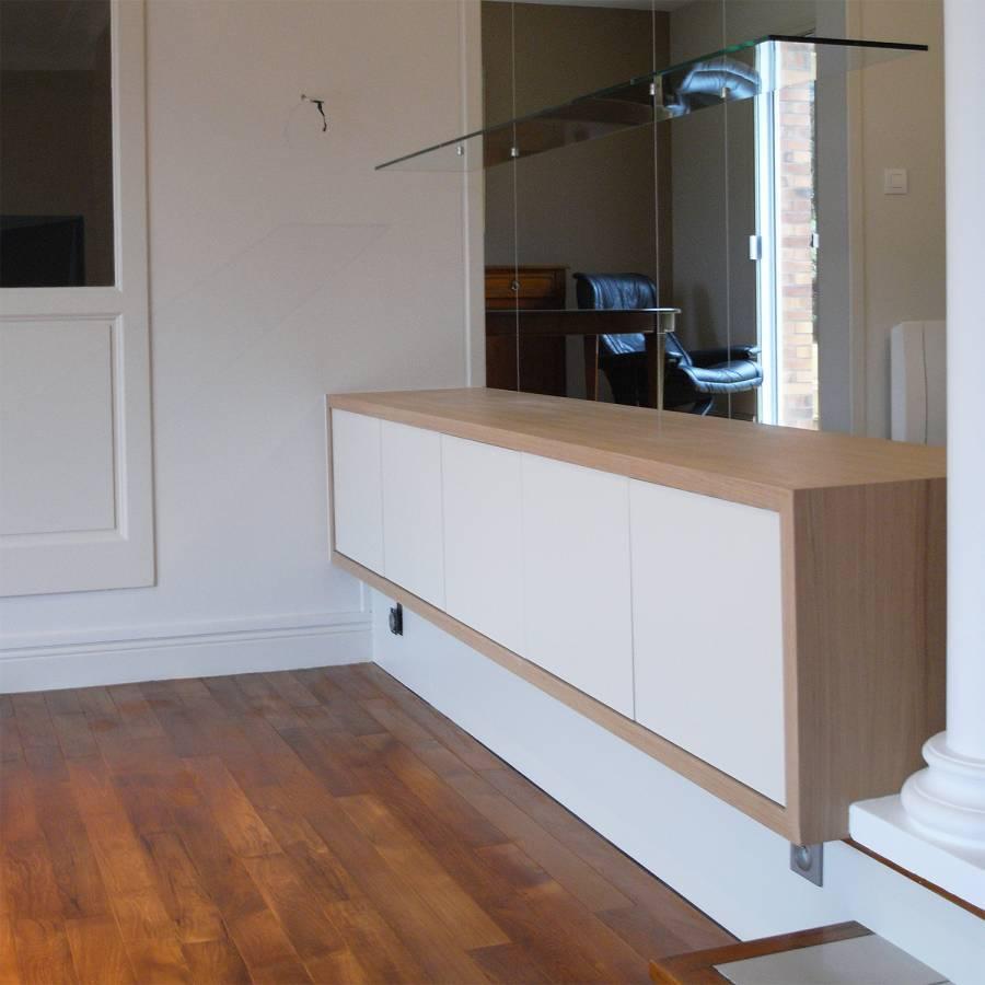 Meuble design blanc et bois clair